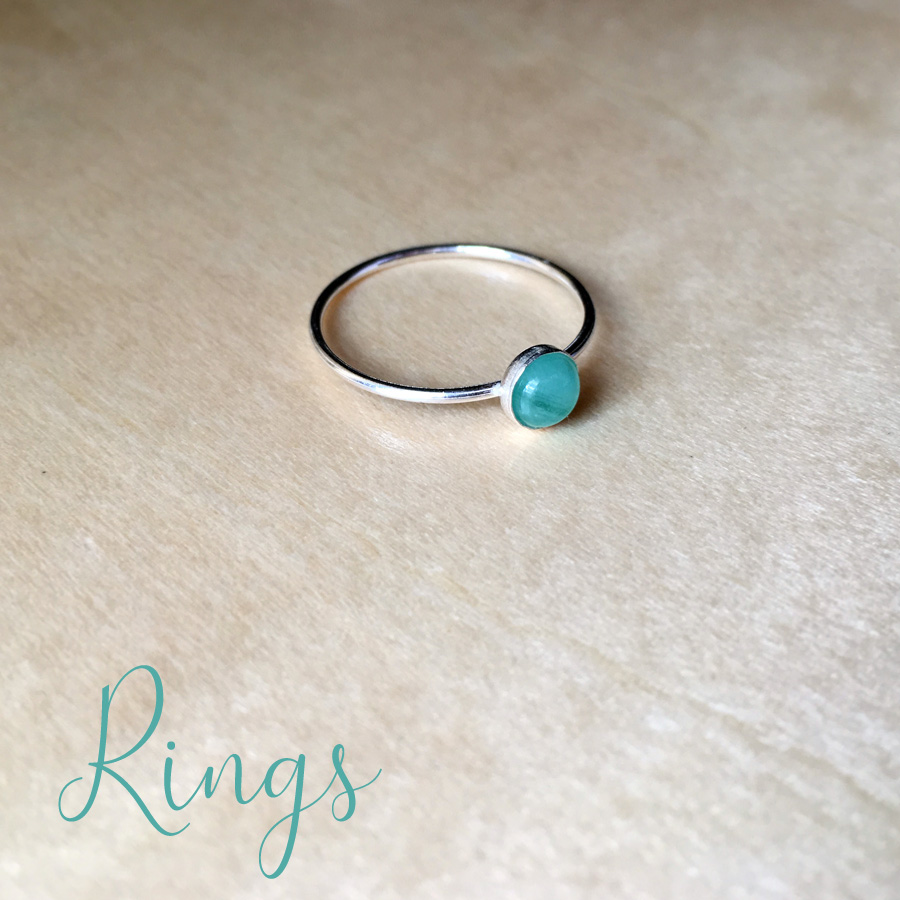 emerald gemstone memorial jewellery ring link to shop page